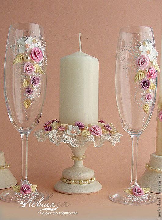 """Свадебные аксессуары ручной работы. Ярмарка Мастеров - ручная работа. Купить Свадебный комплект """"Апрель""""бокалы,свечи,подсвечники. Handmade."""