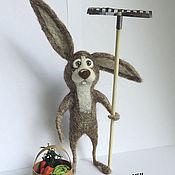 Куклы и игрушки ручной работы. Ярмарка Мастеров - ручная работа Заяц дачник. Игрушки на заказ.. Handmade.