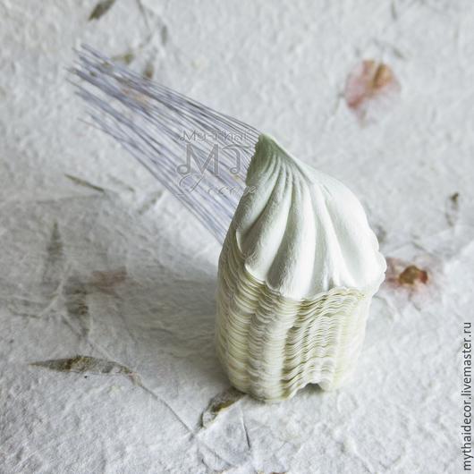 Лепестки пиона бело-зеленые MyThai Материалы для флористики из Таиланда