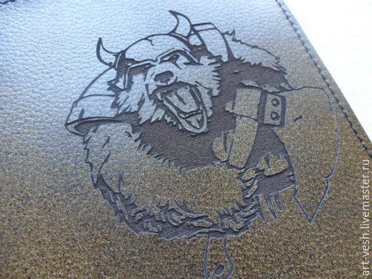 Обложка на паспорт Медведь викинг. Подарок на 23 февраля.