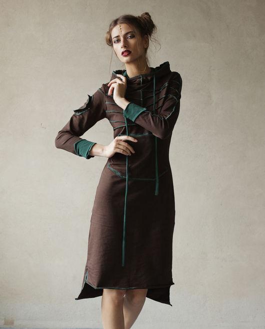 Платье `Pro` - отличный выбор для повседневного наряда, а также и для особых случаев :) Комфортное и изящное, с удобным капюшоном и карманом, оно наверняка станет одной из ваших любимых вещей!!