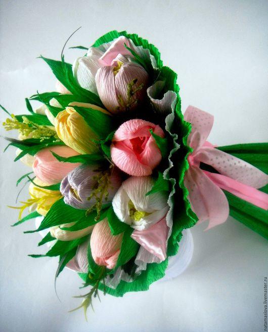 Сладкий букет из конфет с тюльпанами