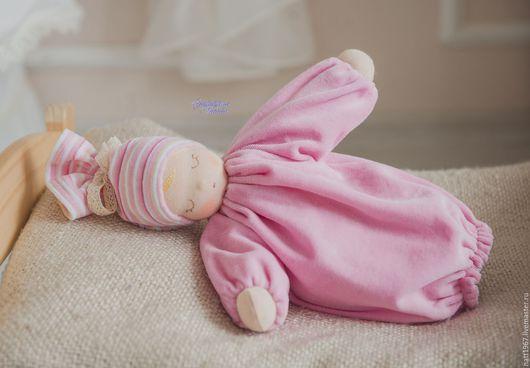 """Вальдорфская игрушка ручной работы. Ярмарка Мастеров - ручная работа. Купить Сплюшка """"Розовое счастье"""" - вальдорфская куколка. Handmade. Розовый"""