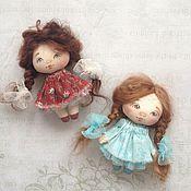 Куклы и игрушки ручной работы. Ярмарка Мастеров - ручная работа Куколки девочки брошечки. Handmade.