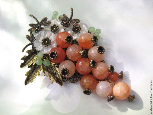 """Броши ручной работы. Ярмарка Мастеров - ручная работа. Купить брошь """"Гроздь ягод"""" с натуральными камнями. Handmade. Комбинированный"""