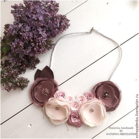 Колье, бусы ручной работы. Ярмарка Мастеров - ручная работа. Купить Колье текстильное цветы Сирени. Handmade. Айвори
