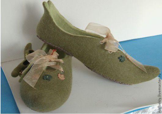 """Обувь ручной работы. Ярмарка Мастеров - ручная работа. Купить Обувь ручной работы.Валяные тапочки """"Лесная стрекоза"""". Handmade."""