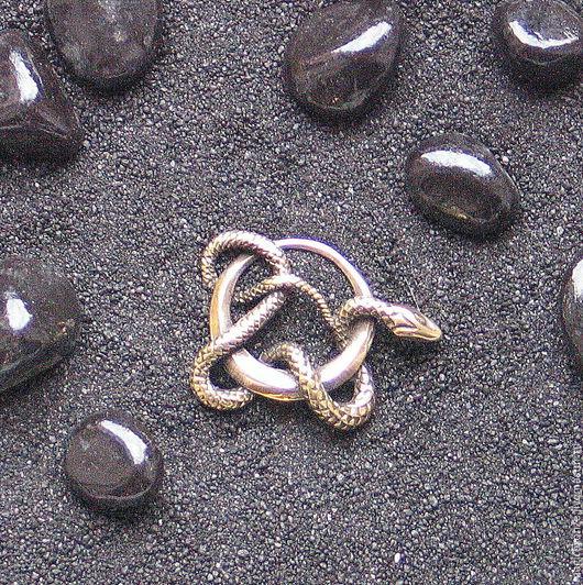 Кулоны, подвески ручной работы. Ярмарка Мастеров - ручная работа. Купить Змея на кольце : Бронзовый кулон с цепочкой. Handmade.