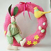 Подарки к праздникам ручной работы. Ярмарка Мастеров - ручная работа Венок с зайкой. Handmade.