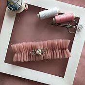 Подвязки ручной работы. Ярмарка Мастеров - ручная работа Подвязка невесты пудровая. Handmade.
