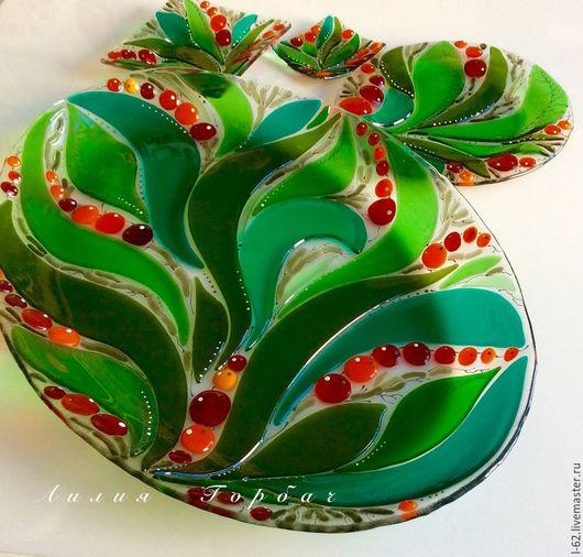 Тарелки ручной работы. Ярмарка Мастеров - ручная работа. Купить комплект посуды из стекла, фьюзинг  По ягоды. Handmade. Разноцветный