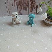 Подарки к праздникам ручной работы. Ярмарка Мастеров - ручная работа Собачка, брелок, собачка вязаная. Handmade.