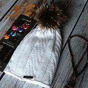 Одежда ручной работы. Ярмарка Мастеров - ручная работа Вязанная шапка с помпоном из енота.. Handmade.