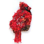 Брошь-булавка ручной работы. Ярмарка Мастеров - ручная работа Брошь в стиле бохо Птица Кардинал. Handmade.