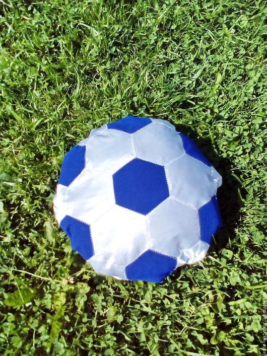 """Детская ручной работы. Ярмарка Мастеров - ручная работа. Купить Диванная подушка """"Футбольный мяч."""". Handmade. Синий, синтепон"""