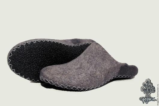 Обувь ручной работы. Ярмарка Мастеров - ручная работа. Купить Тапочки серые. Handmade. Серый, тапки домашние, шерсть 100%