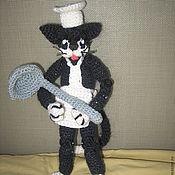 Куклы и игрушки ручной работы. Ярмарка Мастеров - ручная работа Вязаный котенок-поваренок. Handmade.