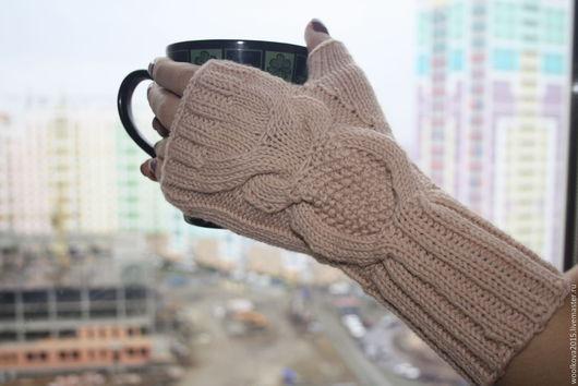 """Варежки, митенки, перчатки ручной работы. Ярмарка Мастеров - ручная работа. Купить Митенки вязаные """"Сова"""". Handmade. Бежевый"""