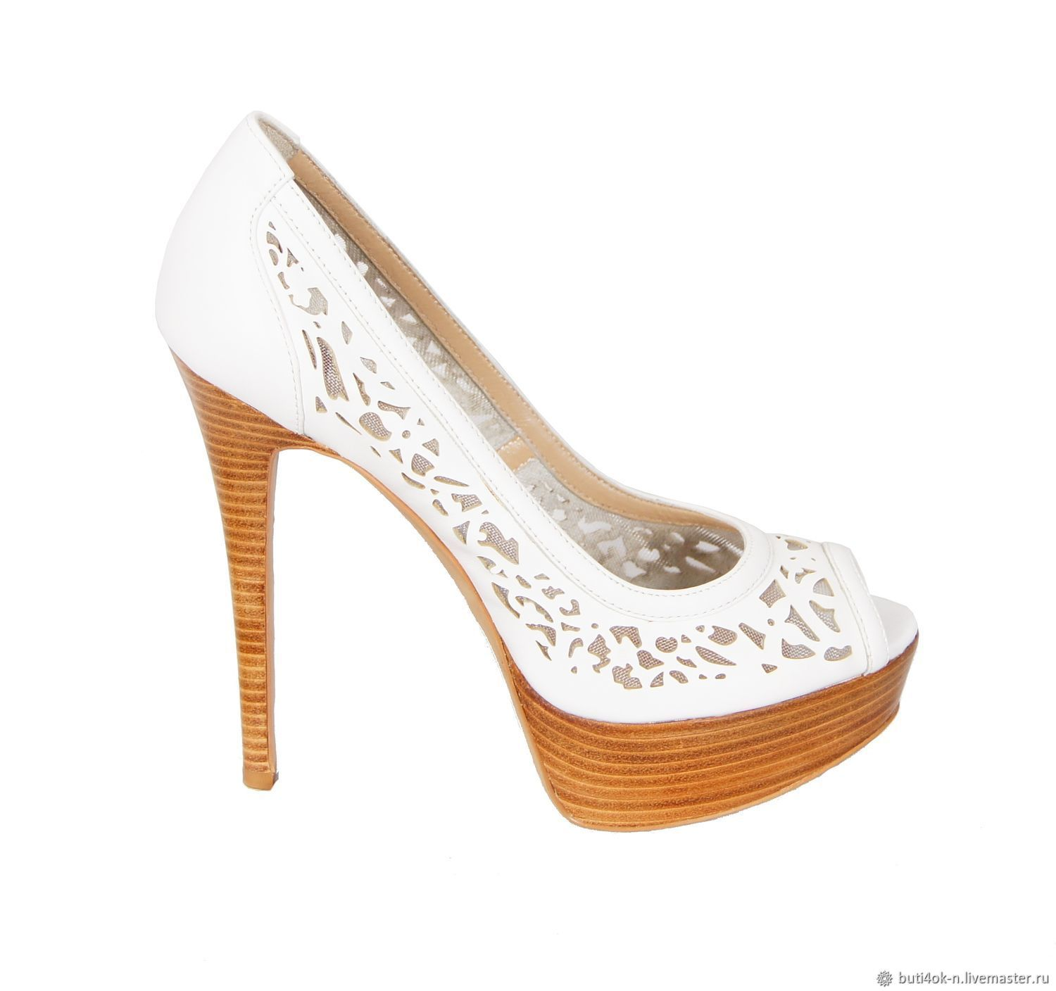 Laced shoes made of genuine leather white color, Vintage shoes, Nelidovo, Фото №1