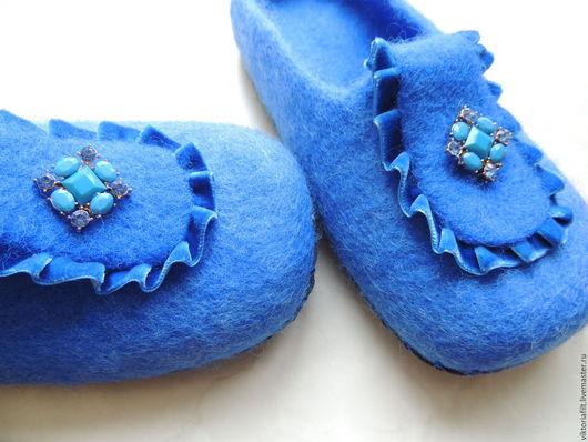 """Обувь ручной работы. Ярмарка Мастеров - ручная работа. Купить Тапочки валяные женские """"Romantic"""". Handmade. Синий"""