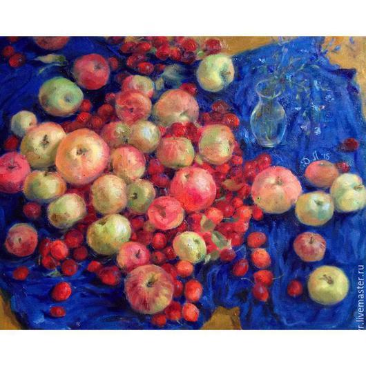 Натюрморт ручной работы. Ярмарка Мастеров - ручная работа. Купить Натюрморт с яблоками и вазочкой на синем. Handmade. Ярко-красный