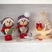 Подарки к праздникам handmade. Livemaster - original item Knitted toy Hedgehog with pine cone Christmas souvenir. Handmade.