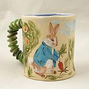"""Кружки ручной работы. Ярмарка Мастеров - ручная работа Чашка """"Кролик Питер и его друзья"""". Handmade."""