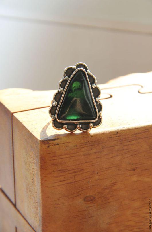 Vintage Via. Кольцо `Лесная колдунья`, серебро 925 пр. хромдиопсид, прошлый век