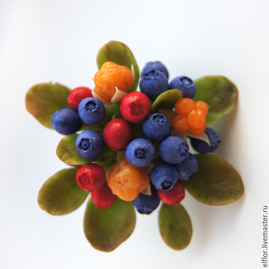 """Броши ручной работы. Ярмарка Мастеров - ручная работа. Купить Брошь """"северные ягоды"""". Handmade. Черника, ягоды, северные ягоды"""
