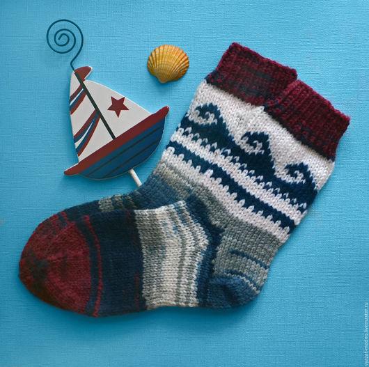 """Носки, гольфы, гетры ручной работы. Ярмарка Мастеров - ручная работа. Купить Детские носки """"По волнам"""". Handmade. Разноцветный"""