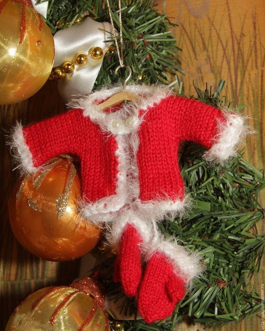 """Миниатюрные модели ручной работы. Ярмарка Мастеров - ручная работа. Купить Комплект одежды для """"карманного"""" Деда Мороза. Handmade. игрушка"""
