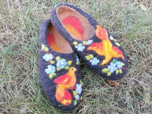 """Обувь ручной работы. Ярмарка Мастеров - ручная работа. Купить Валяные тапочки """"ПТИЦЫ"""". Handmade. Валяные тапочки, шерстяная акварель"""