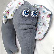 Сувениры и подарки ручной работы. Ярмарка Мастеров - ручная работа Автомобильная флисовая подушка (под  голову) Слоняшка. Handmade.
