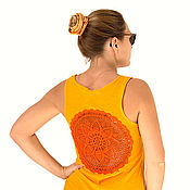 Одежда ручной работы. Ярмарка Мастеров - ручная работа Оранжево-желтая майка с ажурной аппликацией на спине Размер M. Handmade.