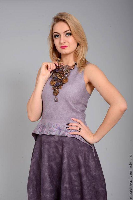 Колье `Вакханка`, использованно в фотосессии Тани Барабанщиковой (валяное платье `Аметист`) - http://www.livemaster.ru/tanyabarab