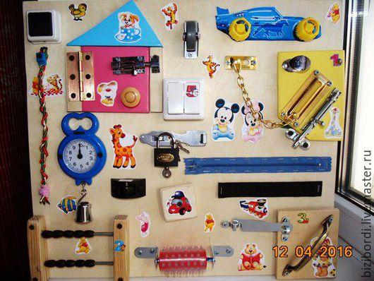 Развивающие игрушки ручной работы. Ярмарка Мастеров - ручная работа. Купить Бизиборд домик. Handmade. Комбинированный, бизиборды, Монтессори, разноцветный