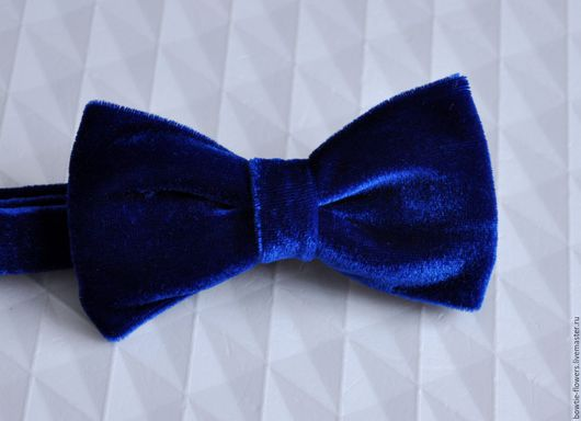 Галстук-бабочка бархатный синий