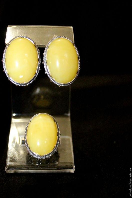 Комплекты украшений ручной работы. Ярмарка Мастеров - ручная работа. Купить Посеребренный комплект серьги и кольцо с натуральным янтарем. Handmade.