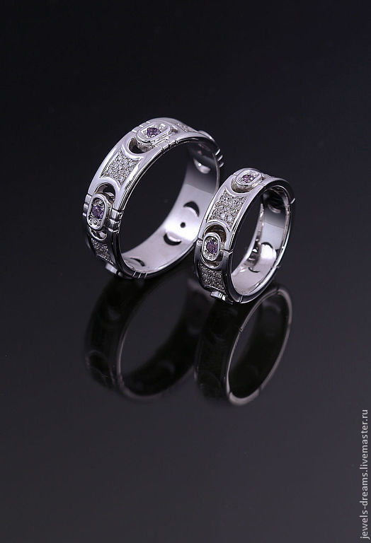 Золотое кольцо с аметистами и бриллиантами