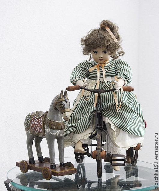 Винтажные куклы и игрушки. Ярмарка Мастеров - ручная работа. Купить Коллаж  кукла и ее верные друзья. Handmade. Коллажавторский, одежда
