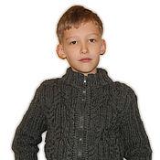 Работы для детей, ручной работы. Ярмарка Мастеров - ручная работа Кофта на молнии для мальчика из толстой пряжи. Handmade.