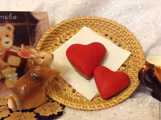 """Подарки для влюбленных ручной работы. Ярмарка Мастеров - ручная работа. Купить Комплект """"Сердечки красные"""". Handmade. Ярко-красный, пряник"""