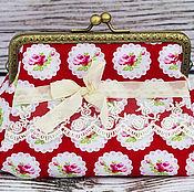 Косметички ручной работы. Ярмарка Мастеров - ручная работа Косметичка с фермуаром  Розы на красном. Handmade.