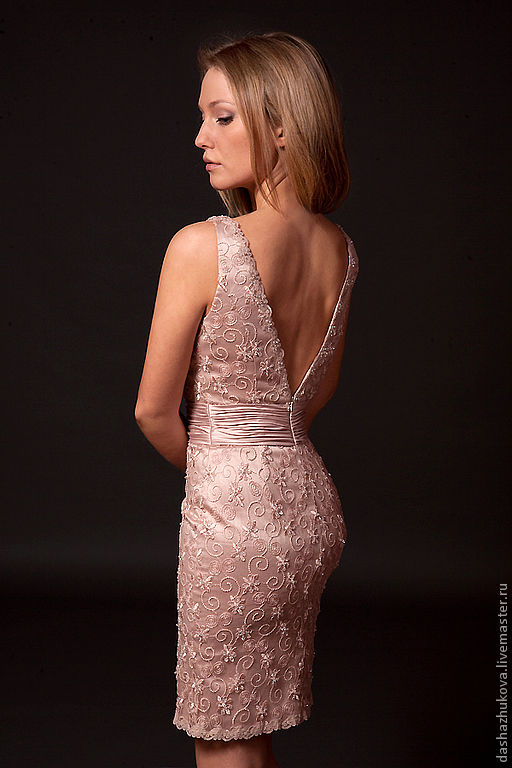 Вечерние кружевные платья
