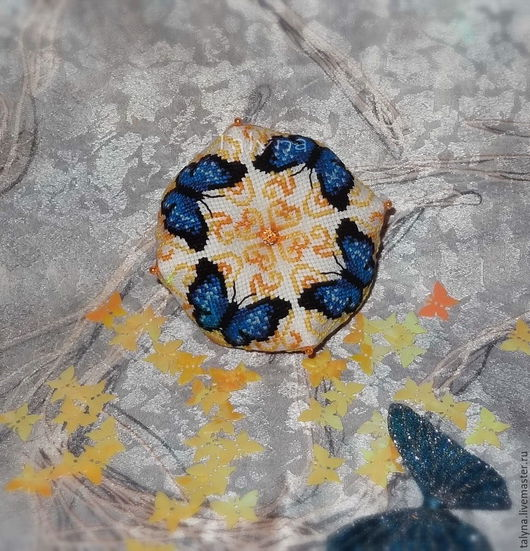 Персональные подарки ручной работы. Ярмарка Мастеров - ручная работа. Купить Игольница с бабочками. Handmade. Синий, подарок, бабочка