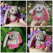 Куклы и игрушки ручной работы. Ярмарка Мастеров - ручная работа кнопки зайки и кролики. Handmade.