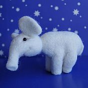 Куклы и игрушки ручной работы. Ярмарка Мастеров - ручная работа Слон игрушка из шерсти Белый слоник. Handmade.