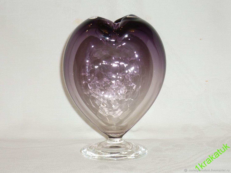 VASE, VASE HEART. MANGANESE glass, potassium PERMANGANATE. CZECHOSLOVAKIA, Vintage interior, St. Petersburg,  Фото №1