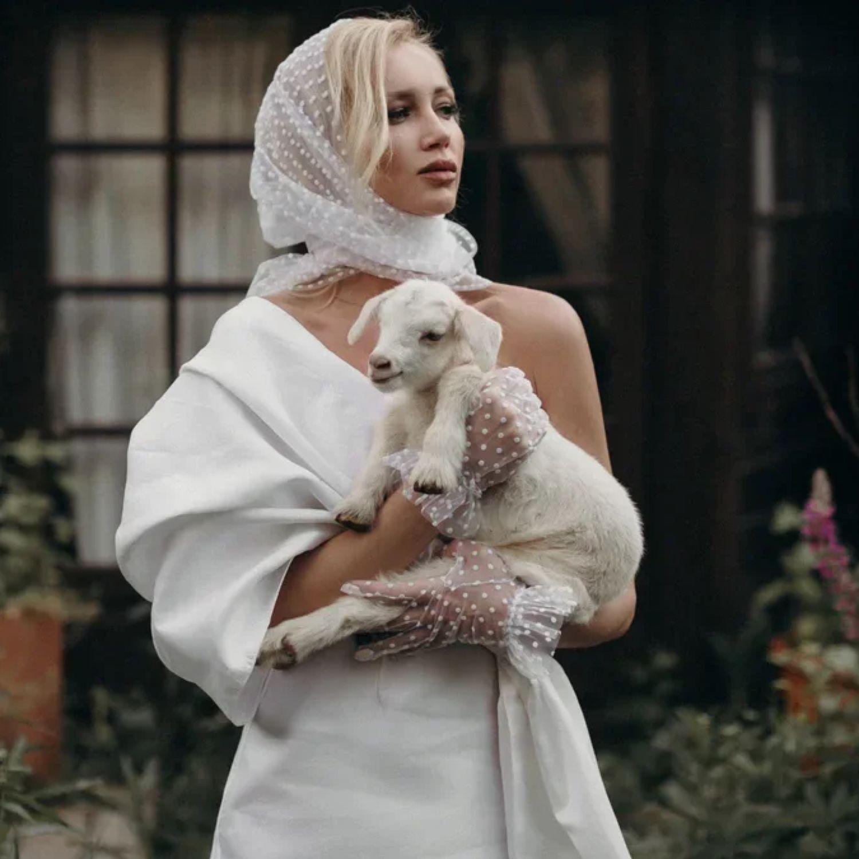 Белый платок в белый бархатный горошек, Платки, Калининград,  Фото №1