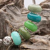 Материалы для творчества handmade. Livemaster - original item Shades green - set 5 lampwork beads - charms for bracelet. Handmade.